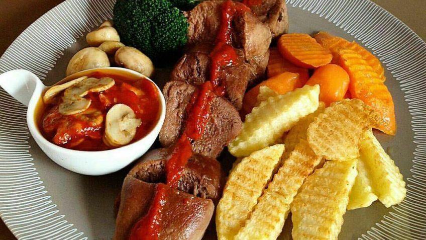 خوراک زبان گوساله آرد آب رب آبلیمو هویج پیاز برگ بو