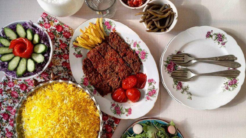 کباب برنجی خراسان رضوی گوشت برنج روغن آرد تخم مرغ پیاز نمک فلفل