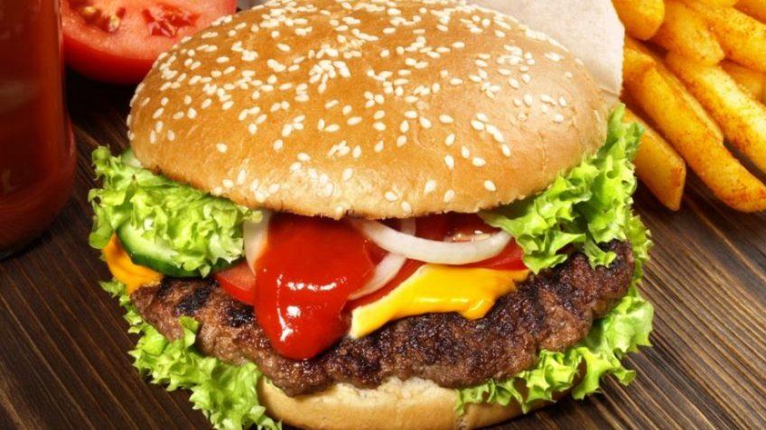 همبرگر خانگی آلمان غذالند گوشت