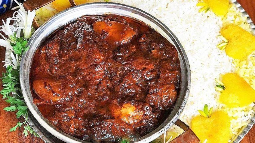 خورشت آلو سیاه خورش تخم مرغ