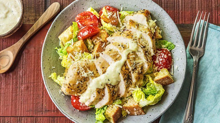 سالاد سزاز ایتالیا غذالند کاهو مرغ