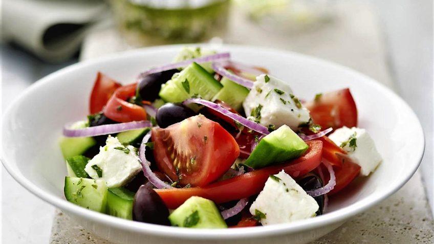 سالاد یونانی یونان غذالند سرزمین غذا