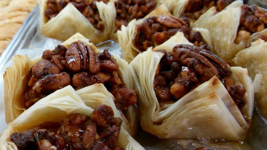 10غذای ارمنی که حتما باید آن ها را امتحان کنید