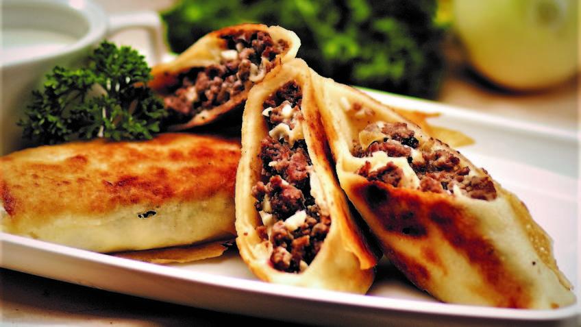 پنکیک گوشت یونان غذالند سرزمین غذا