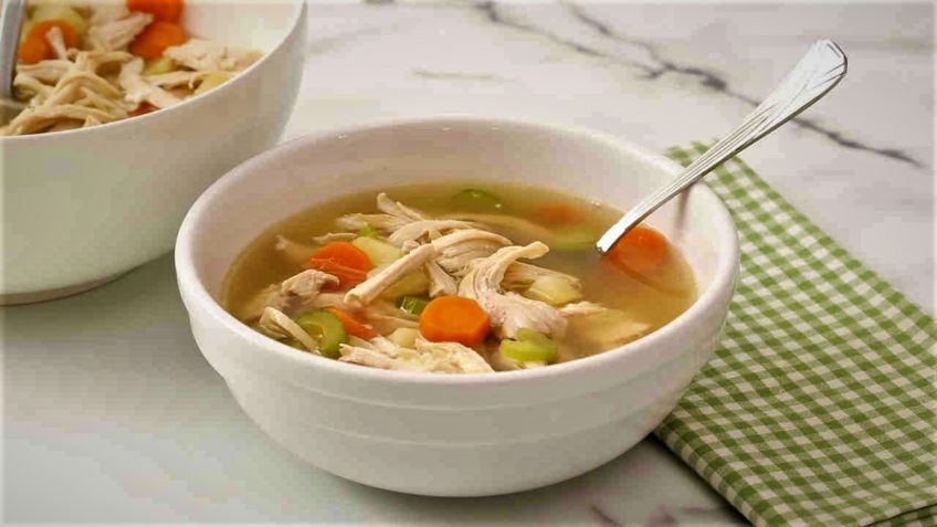سوپ مرغ و سبزیجات ایران غذالند سرزمین غذا