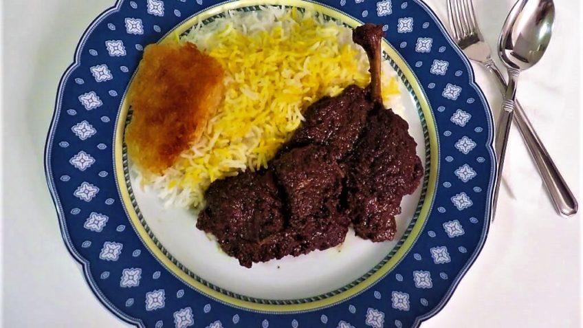 خورش فسنجان با مرغ ایران غذالند سرزمین غذا