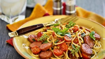 اسپاگتی سوسیس ایتالیا غذالند سرزمین غذا