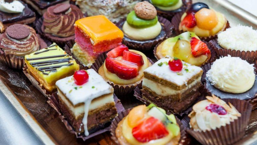 چرا برای خوردن خوراکی های شیرین ولع داریم؟