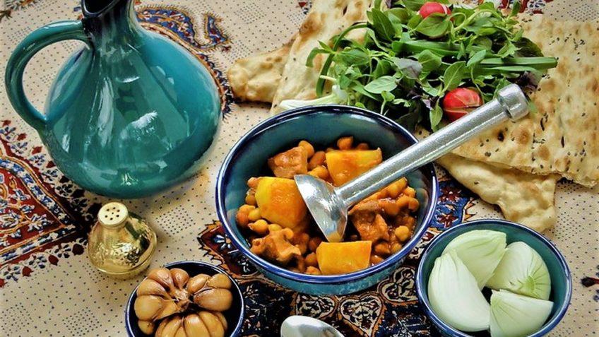 آبگوشت غوره کردستان همدان غذالند سرزمین غذا