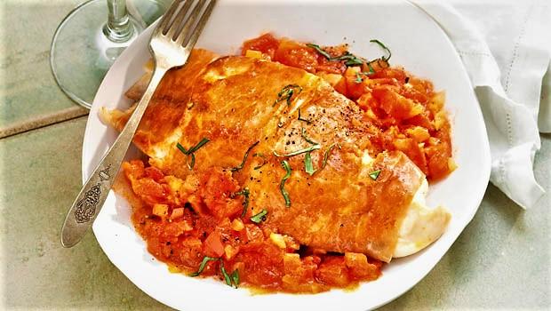ماهی تیلاپیا و گوجه فرنگی سرخ شده اروپا غذالند سرزمین غذا