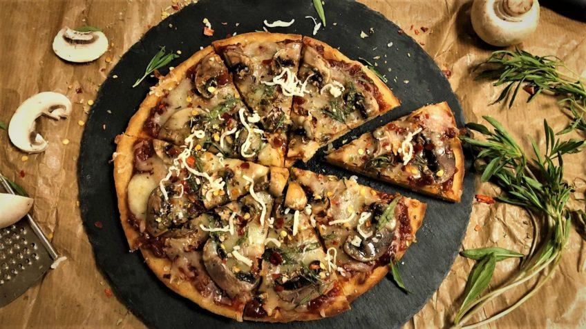 پیتزا قارچ ایتالیا سرزمین غذا غذالند