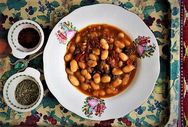 خورش لوبیا سفید ارومیه ترکیه غذالند سرزمین غذا