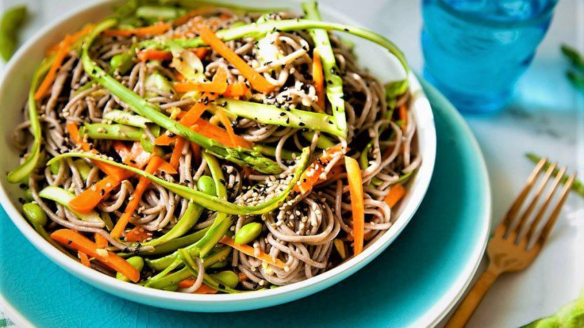 سالاد نودل سبزیجات ژاپن غذالند سرزمین غذا