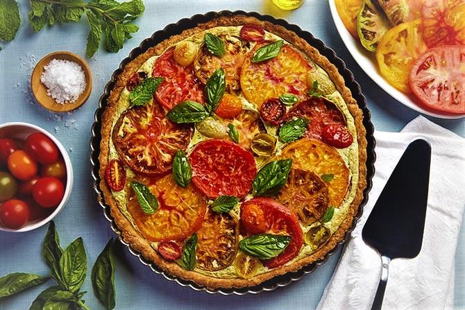 تارت گوجه و ریحان غذالند ایتالیا سرزمین غذا