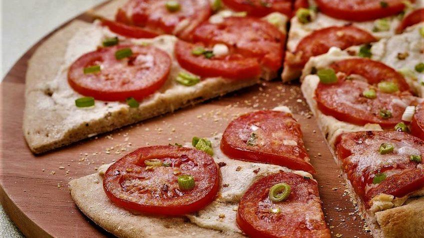 پیتزا گوجه فرنگی ایتالیا غذالند سرزمین غذا