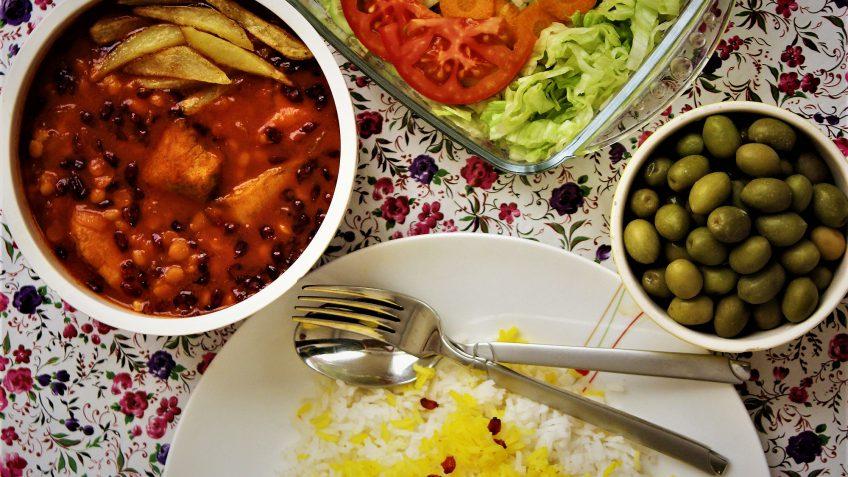خورش زرشک کردستان غذالند سرزمین غذا