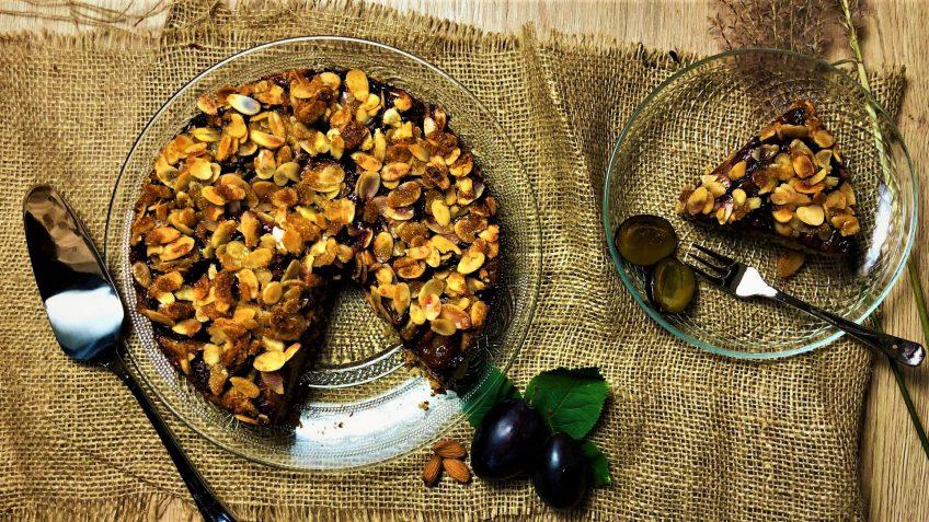 کیک گردو و بادام غذالند سرزمین غذا