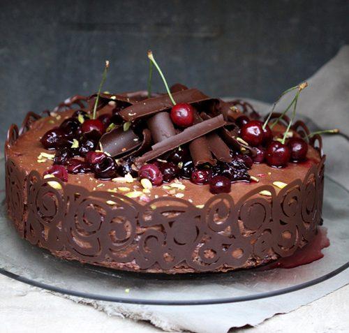 کیک کاکائویی آلبالویی