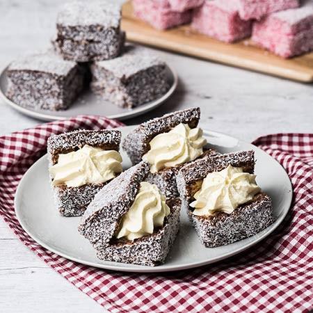 طرز تهیه کیک لامینگتون